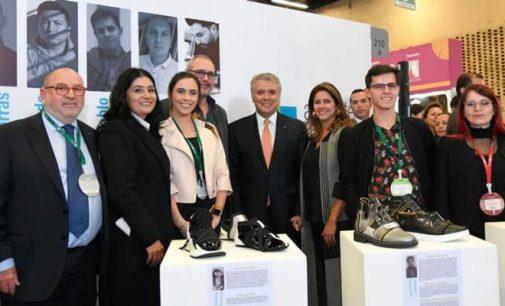 Presidente busca frenar el contrabando de calzado