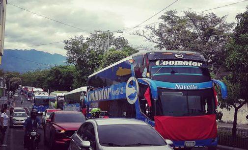 Empresas transportadoras piden que les dejen trabajar