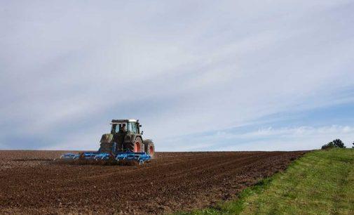 Suscrito convenio para agilizar los trámites en el sector agrario